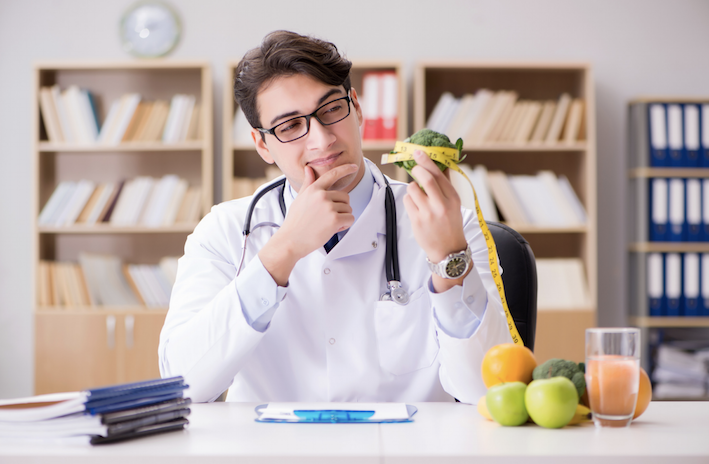 How Is A Dietitian Different From A Nutritionist?